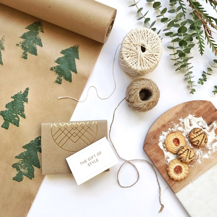 Stitch-Fix-Winter-Holiday-Gift-Card-images- personal-styling-service- laydown1