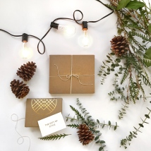 Stitch-Fix-Winter-Holiday-Gift-Card-images- personal-styling-service- laydown2