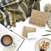 Stitch-Fix-Winter-Holiday-Gift-Card-images- personal-styling-service- laydown4